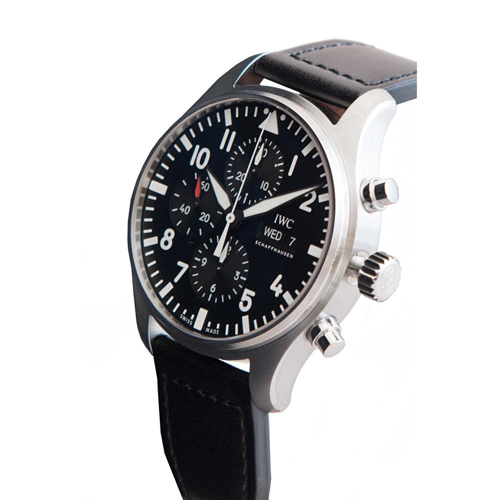 2.-Pilot's-Watch